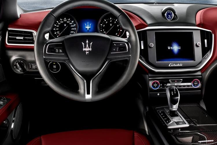 Maserati Ghibli Saloon 2.0 MHEV 330PS Sportivo X 4Dr ZF [Start Stop] inside view